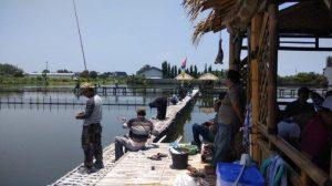 Terkena Banjir Rob Kepala Desa Sayung Ubah Wilayahnya Jadi